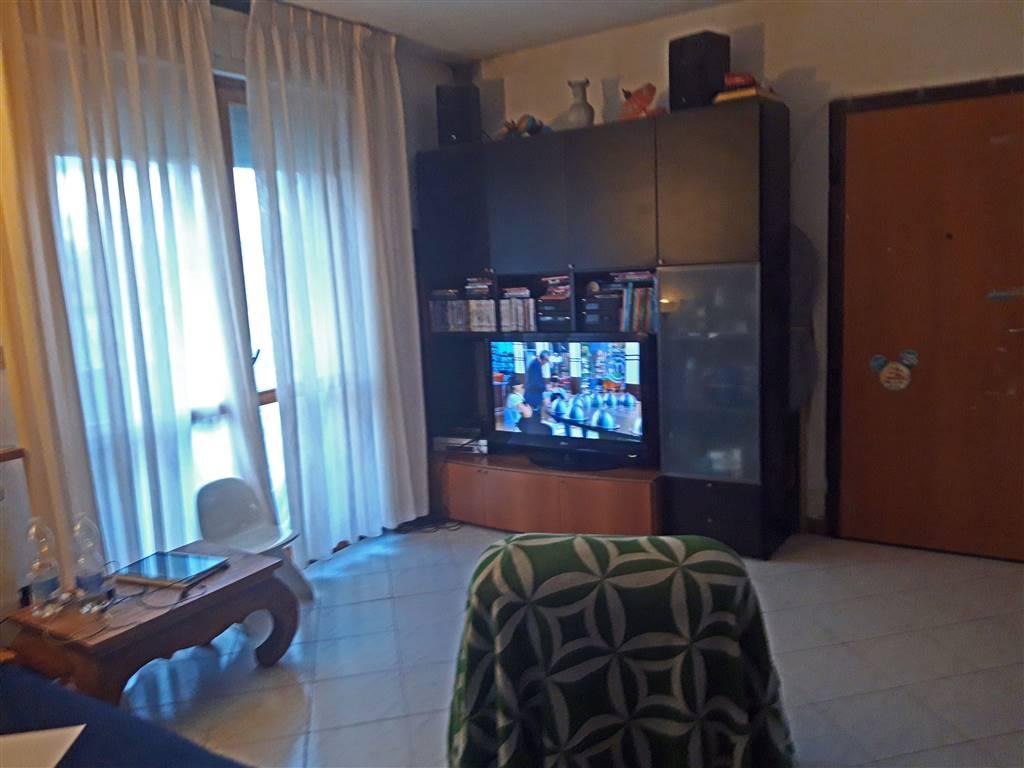 Appartamento in vendita a Agliana, 4 locali, zona uccia, prezzo € 150.000 | PortaleAgenzieImmobiliari.it