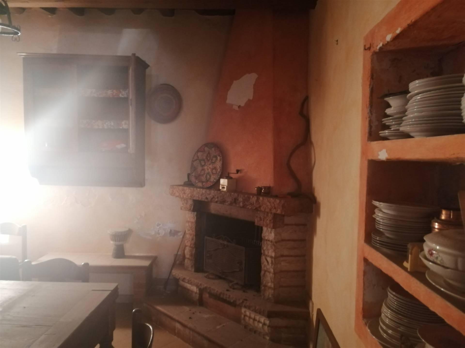 BOTTEGONE, PISTOIA, Terratetto in vendita di 180 Mq, Da ristrutturare, Riscaldamento Autonomo, Classe energetica: G, composto da: 5 Vani, Cucina