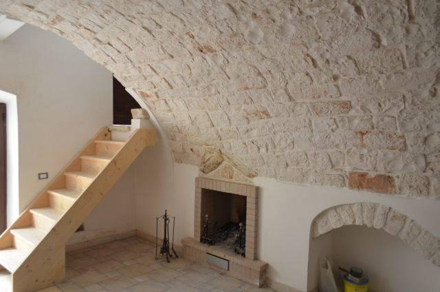 Casa singola, Turi, ristrutturata