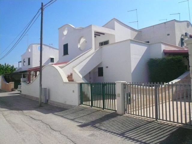 Appartamento indipendente in Via Delle Mammole Miramare, Manduria