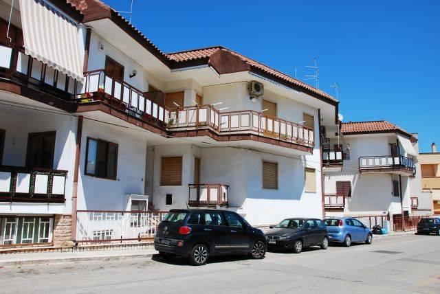 Trilocale in Via Della Repubblica 58, Montrone, Adelfia