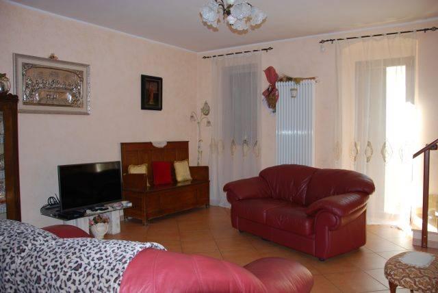 Casa singola in Via Roni 11, Montrone, Adelfia