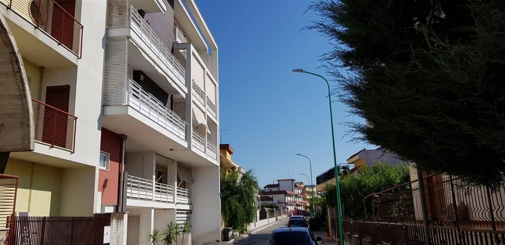 Appartamento in vendita a Bitetto, 3 locali, prezzo € 158.000   CambioCasa.it