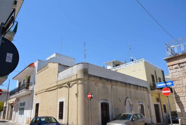 Soluzione Indipendente in vendita a Adelfia, 4 locali, zona Zona: Canneto, prezzo € 115.000 | CambioCasa.it