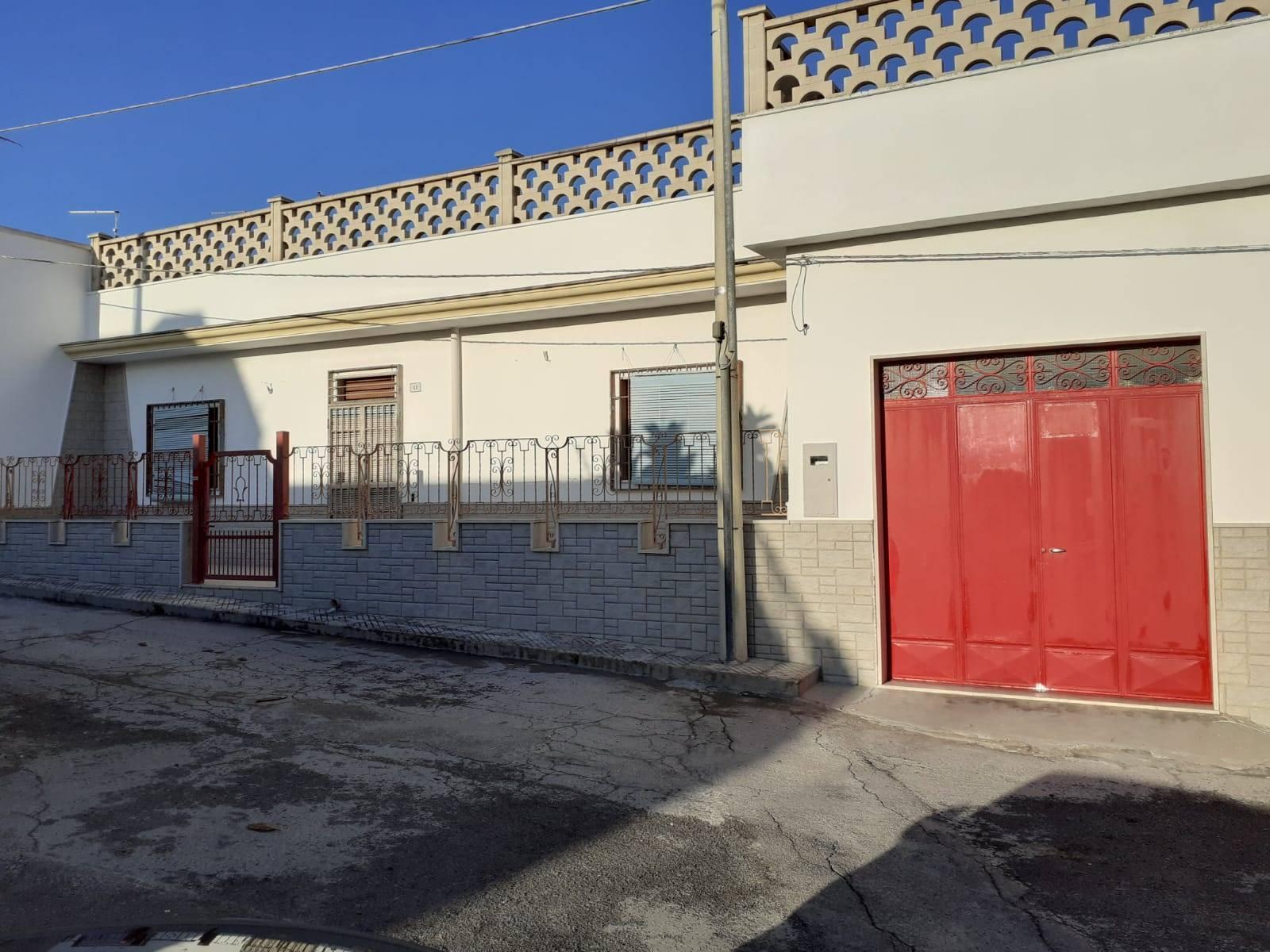 Soluzione Indipendente in vendita a Manduria, 3 locali, zona Località: SAN PIETRO, prezzo € 125.000 | CambioCasa.it