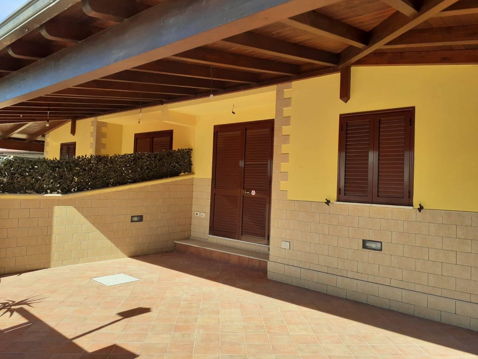 Soluzione Indipendente in vendita a Manduria, 3 locali, zona Zona: San Pietro in Bevagna, prezzo € 100.000 | CambioCasa.it