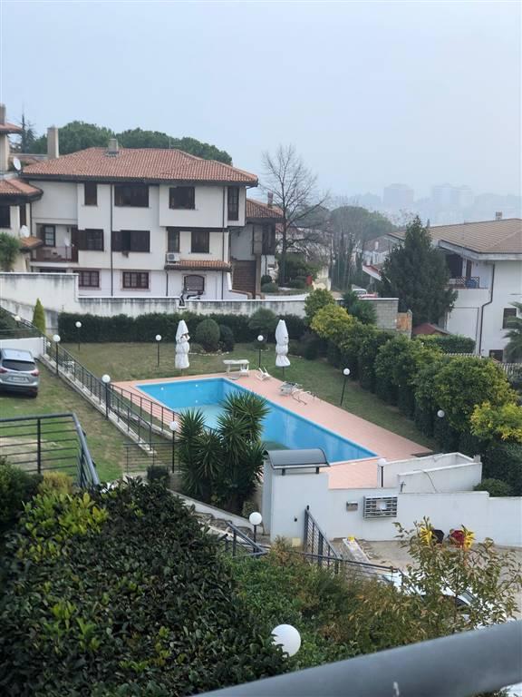 Villa a Schiera in affitto a Montesilvano, 6 locali, zona Località: MONTESILVANO COLLE, prezzo € 1.400 | CambioCasa.it