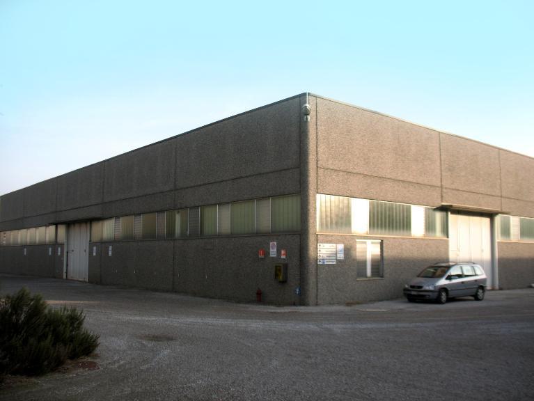 Capannone in vendita a Rovello Porro, 1 locali, Trattative riservate | PortaleAgenzieImmobiliari.it