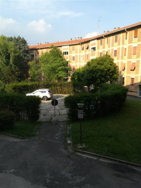 RESIDENZIALE, SARONNO, Apartment for sale of 80 Sq. mt., Excellent Condition, Heating Individual heating system, Energetic class: G, Epi: 228,06