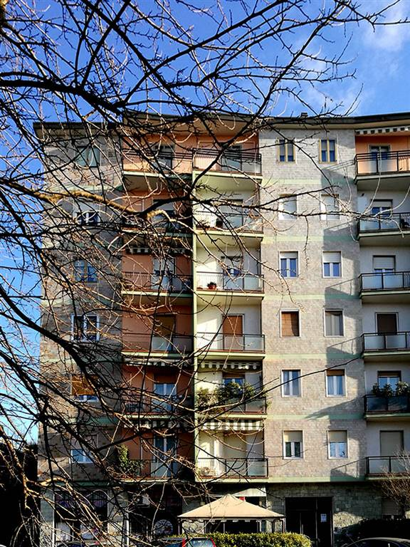RESIDENZIALE, SARONNO, Apartment for sale of 123 Sq. mt., Good condition, Heating Centralized, Energetic class: G, Epi: 200,8 kwh/m2 year, placed at