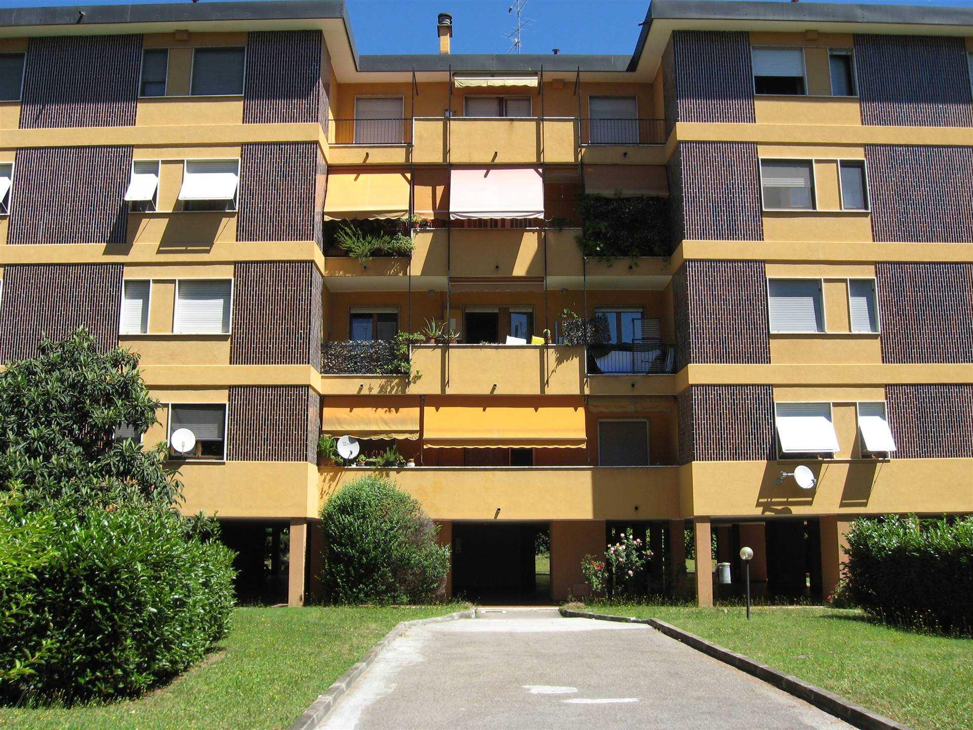 Box / Garage in affitto a Saronno, 9999 locali, zona Località: OSPEDALE, prezzo € 85   PortaleAgenzieImmobiliari.it
