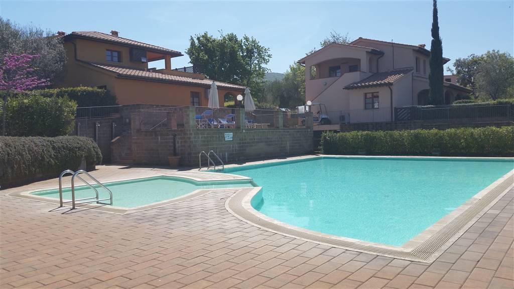 piscina Borgo etrusco