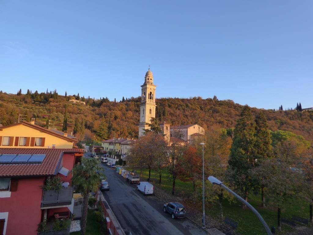 Appartamento in affitto a Verona, 4 locali, zona Quinzano - Pindemonte - Ponte Crencano - Valdonega - Avesa, prezzo € 480 | PortaleAgenzieImmobiliari.it