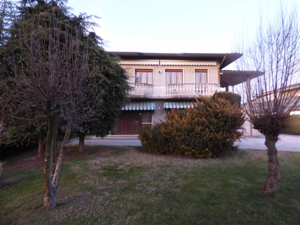 Villa in vendita a Gazzo Veronese, 9 locali, zona Zona: Maccacari, prezzo € 229.000 | CambioCasa.it