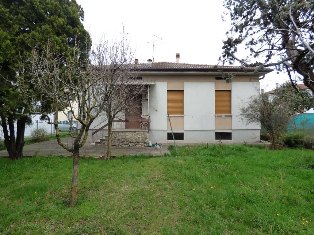Villa in vendita a Villafranca di Verona, 5 locali, zona Zona: Dossobuono, prezzo € 272.000 | CambioCasa.it