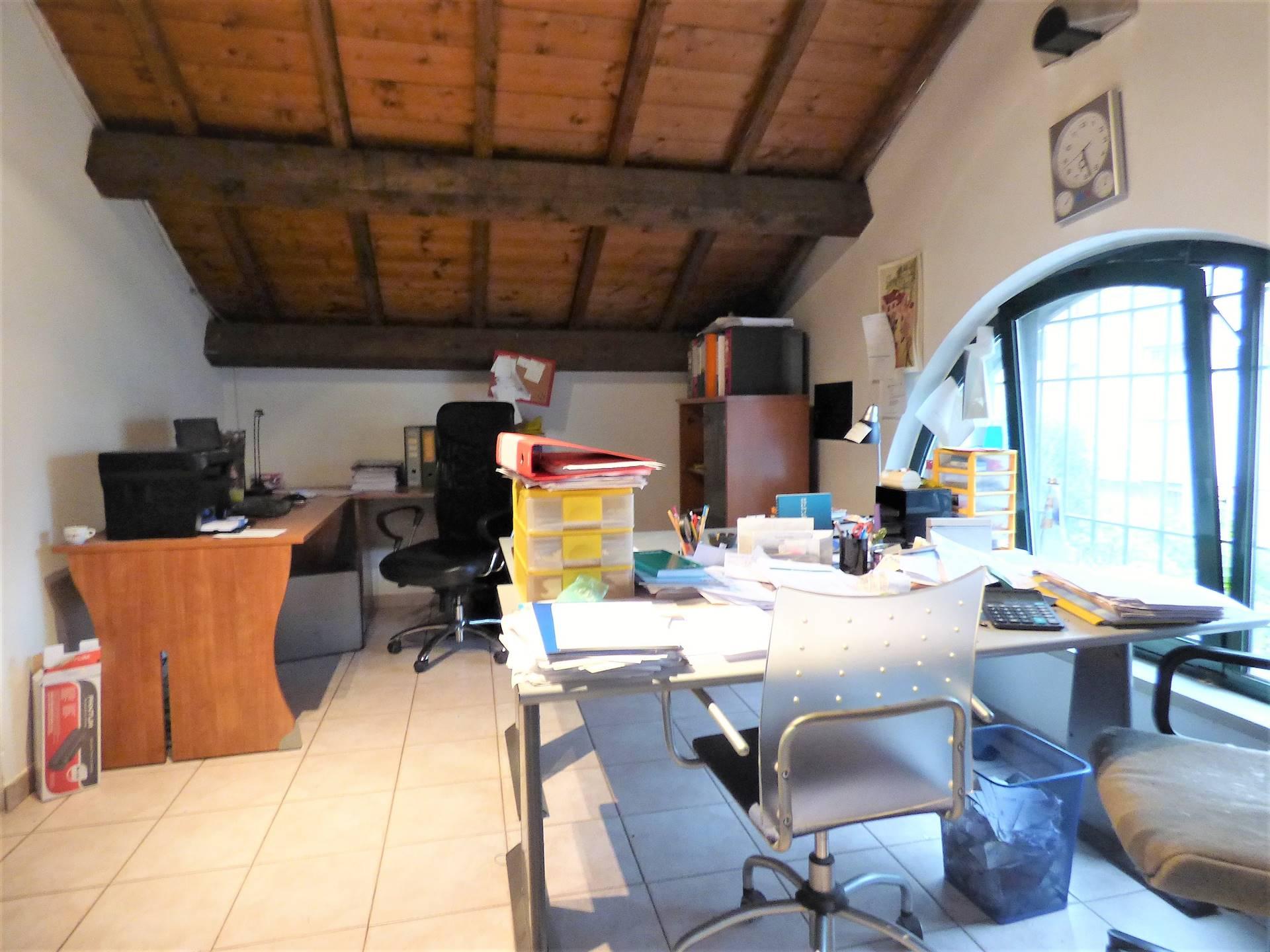 Ufficio nel soppalco