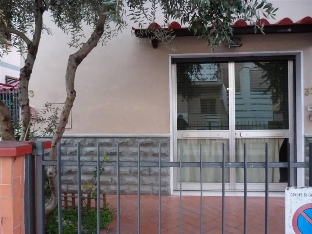 Laboratorio in affitto a Lastra a Signa, 2 locali, prezzo € 1.000 | CambioCasa.it
