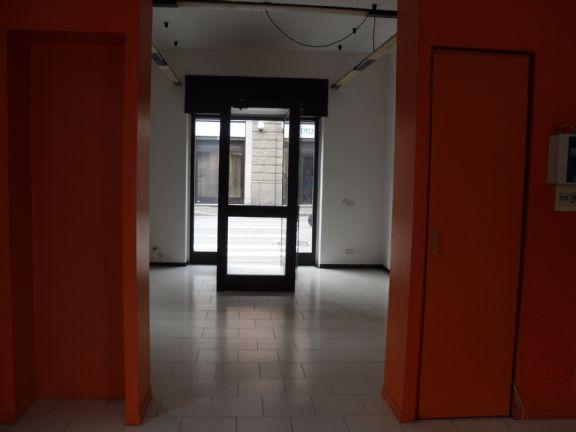 Negozio / Locale in affitto a Novara, 2 locali, zona Località: SACRO CUORE / S. MARTINO, prezzo € 800 | PortaleAgenzieImmobiliari.it