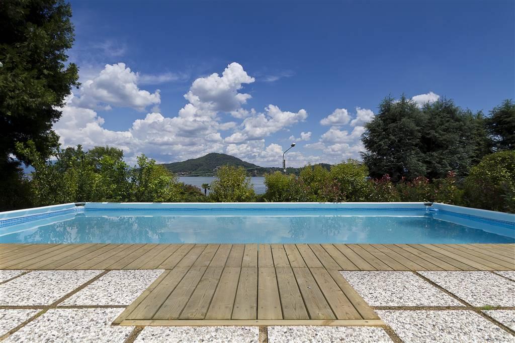 Villa in vendita a Arona, 10 locali, Trattative riservate | PortaleAgenzieImmobiliari.it