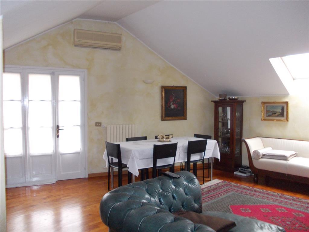 Attico / Mansarda in affitto a Novara, 2 locali, zona ro, prezzo € 800 | PortaleAgenzieImmobiliari.it