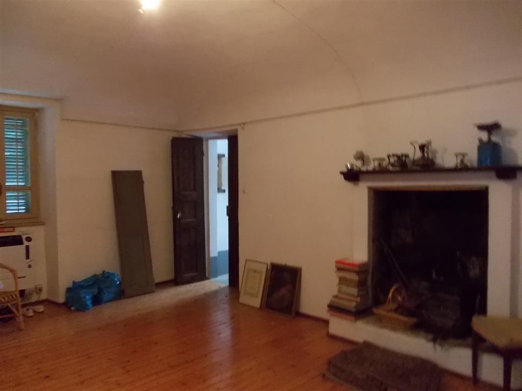 Foto caminetto in soggiorno - Rif. RV