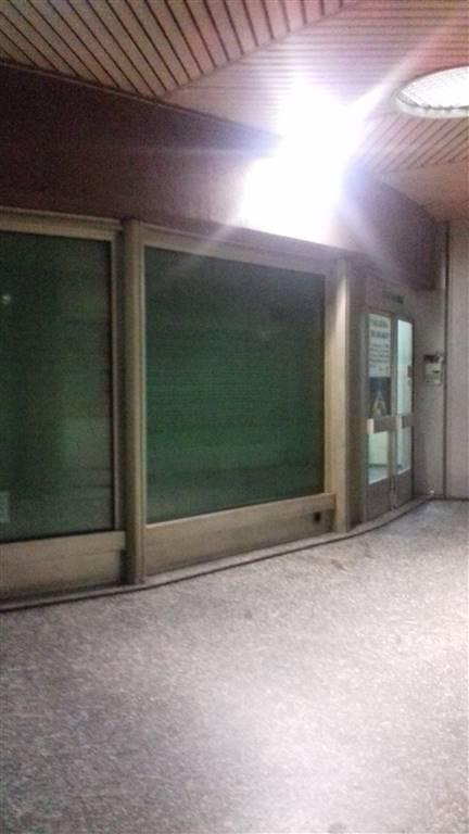 Negozio / Locale in vendita a Novara, 2 locali, zona ro, prezzo € 140.000 | PortaleAgenzieImmobiliari.it
