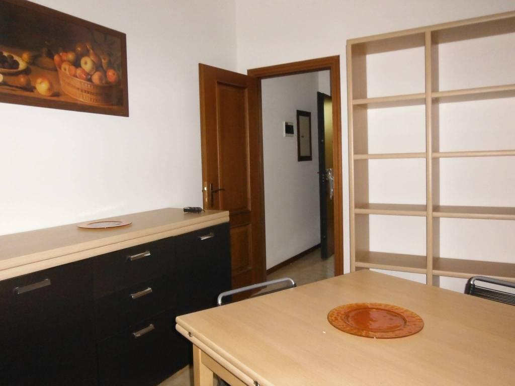 Appartamento in affitto a Novara, 3 locali, zona Località: SACRO CUORE / S. MARTINO, prezzo € 600 | PortaleAgenzieImmobiliari.it