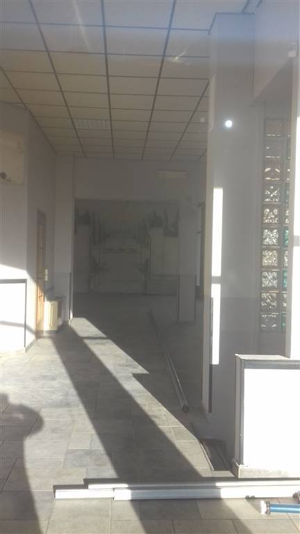 Negozio / Locale in vendita a Trecate, 2 locali, Trattative riservate | PortaleAgenzieImmobiliari.it