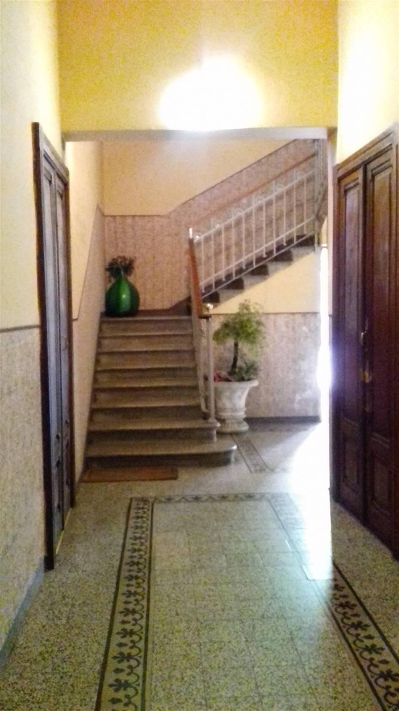 Ufficio / Studio in affitto a Novara, 4 locali, zona Località: SACRO CUORE / S. MARTINO, prezzo € 700 | CambioCasa.it
