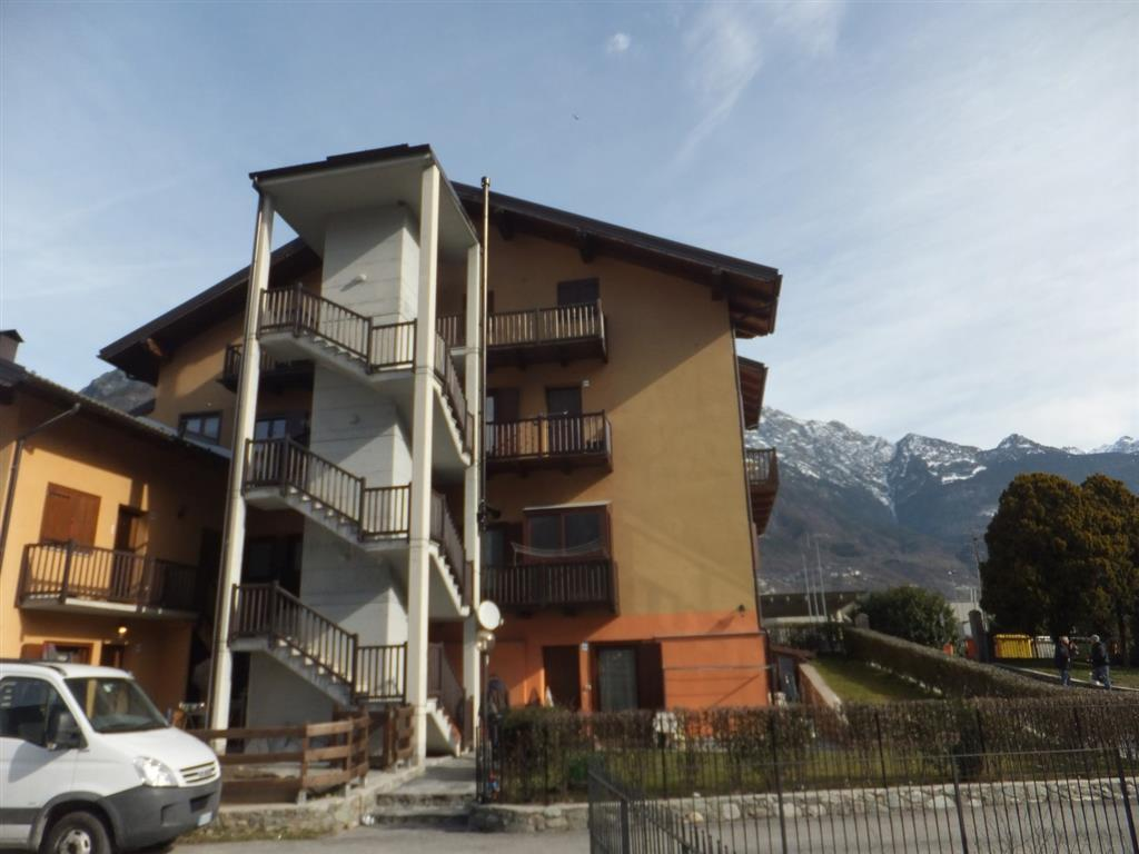 Appartamento in vendita a Chatillon, 4 locali, prezzo € 110.000 | CambioCasa.it