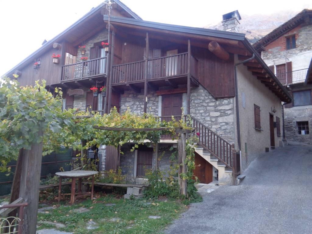 Appartamento in vendita a Morgex, 4 locali, zona Località: DAILLEY, prezzo € 249.000   CambioCasa.it