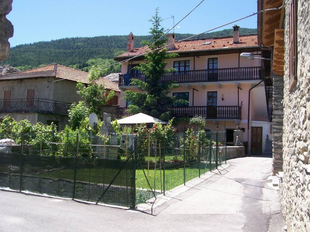 Appartamento in vendita a Gignod, 3 locali, prezzo € 105.000 | CambioCasa.it