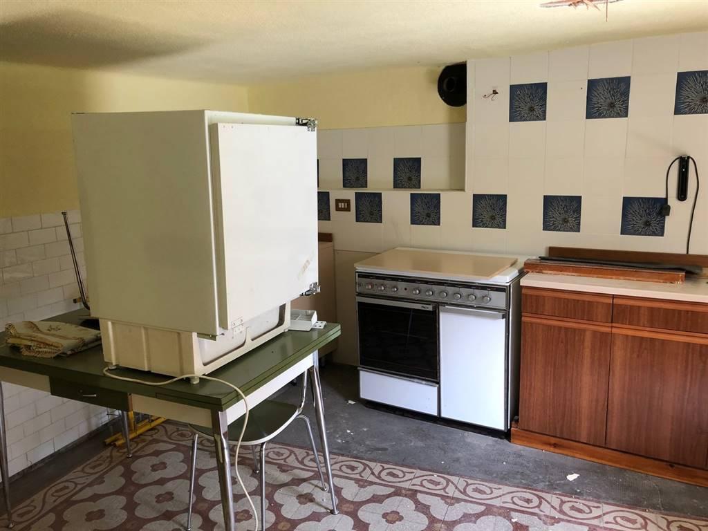 Appartamento in vendita a Valpelline, 2 locali, prezzo € 39.000 | CambioCasa.it