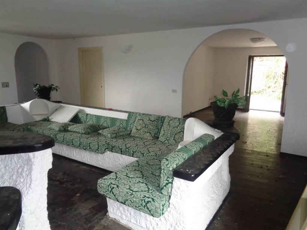 Appartamento in vendita a Gignod, 6 locali, prezzo € 130.000 | CambioCasa.it