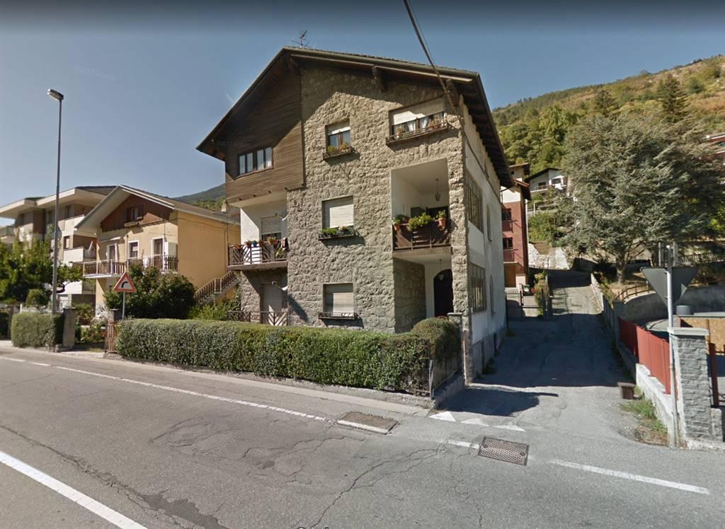 Appartamento indipendente in Via Parigi, Semicentro, Aosta