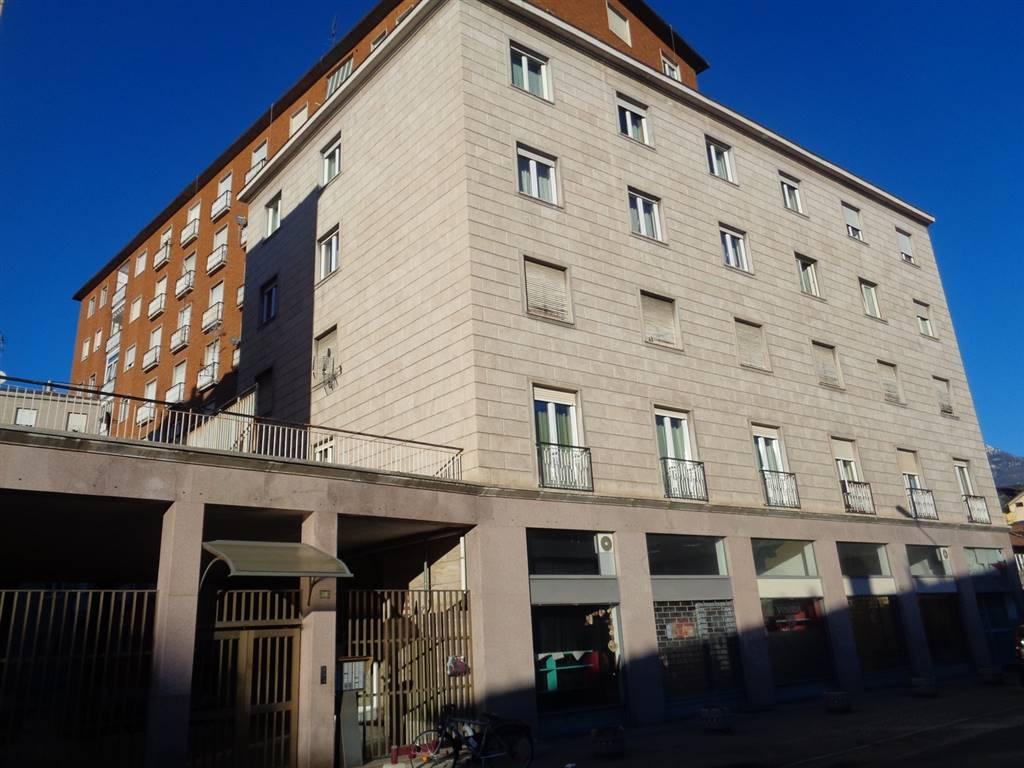 Appartamento in vendita a Aosta, 5 locali, zona Zona: Centro, prezzo € 225.000 | CambioCasa.it