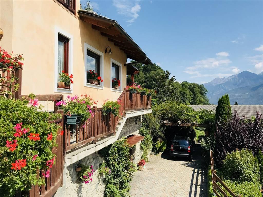 Villa in vendita a Saint-Christophe, 7 locali, prezzo € 630.000 | PortaleAgenzieImmobiliari.it