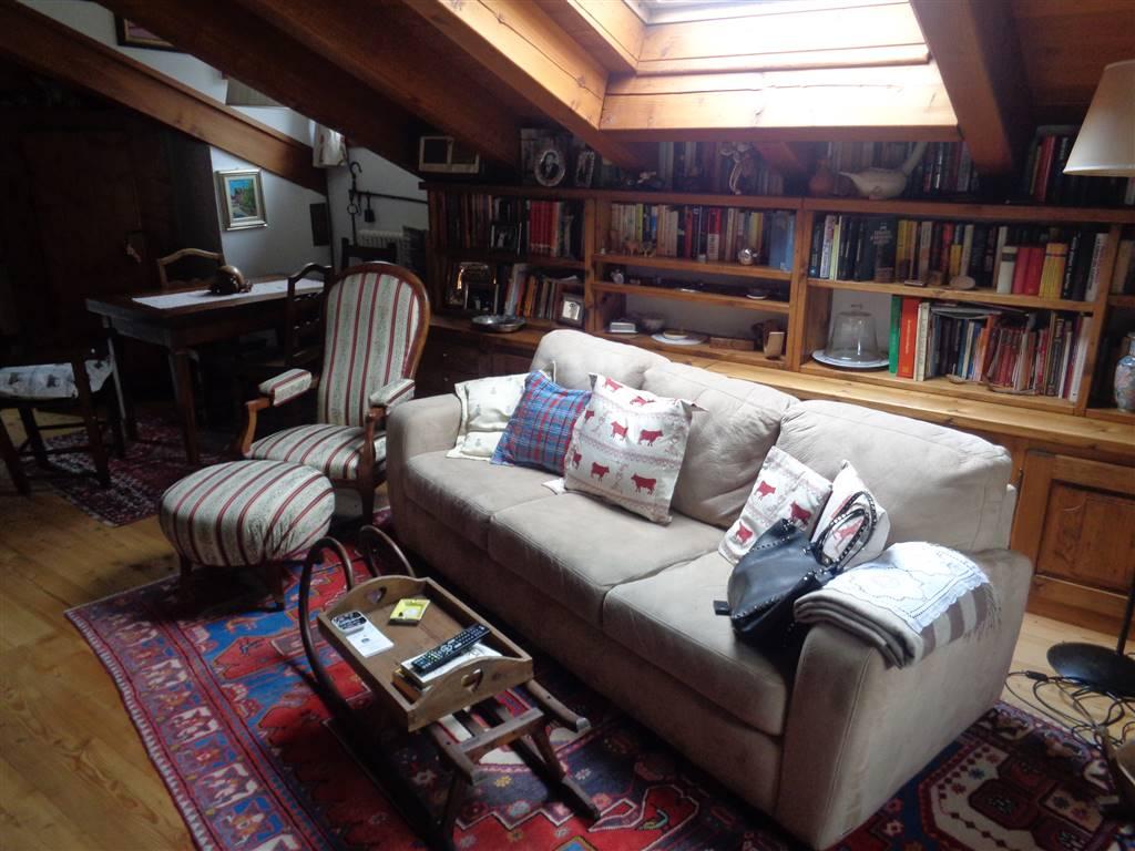 Appartamento in vendita a Saint-Pierre, 4 locali, prezzo € 245.000 | CambioCasa.it