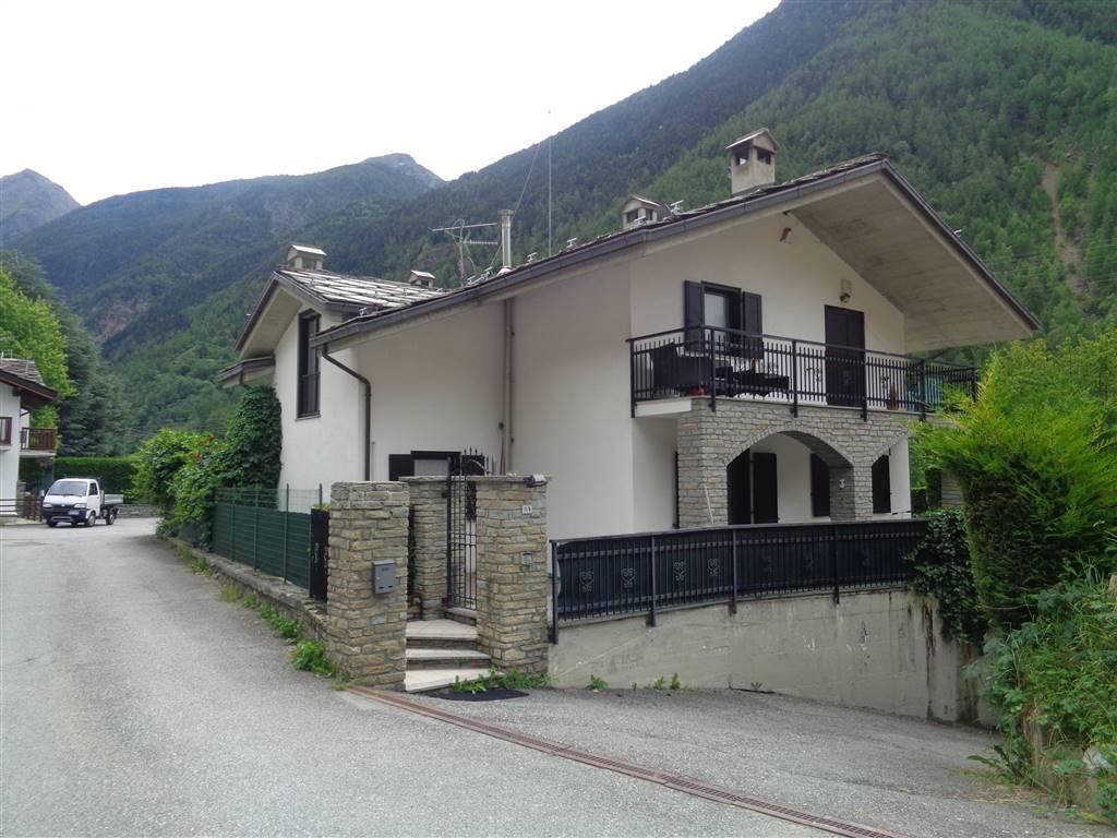 Villa Bifamiliare in vendita a Valpelline, 6 locali, prezzo € 330.000 | PortaleAgenzieImmobiliari.it