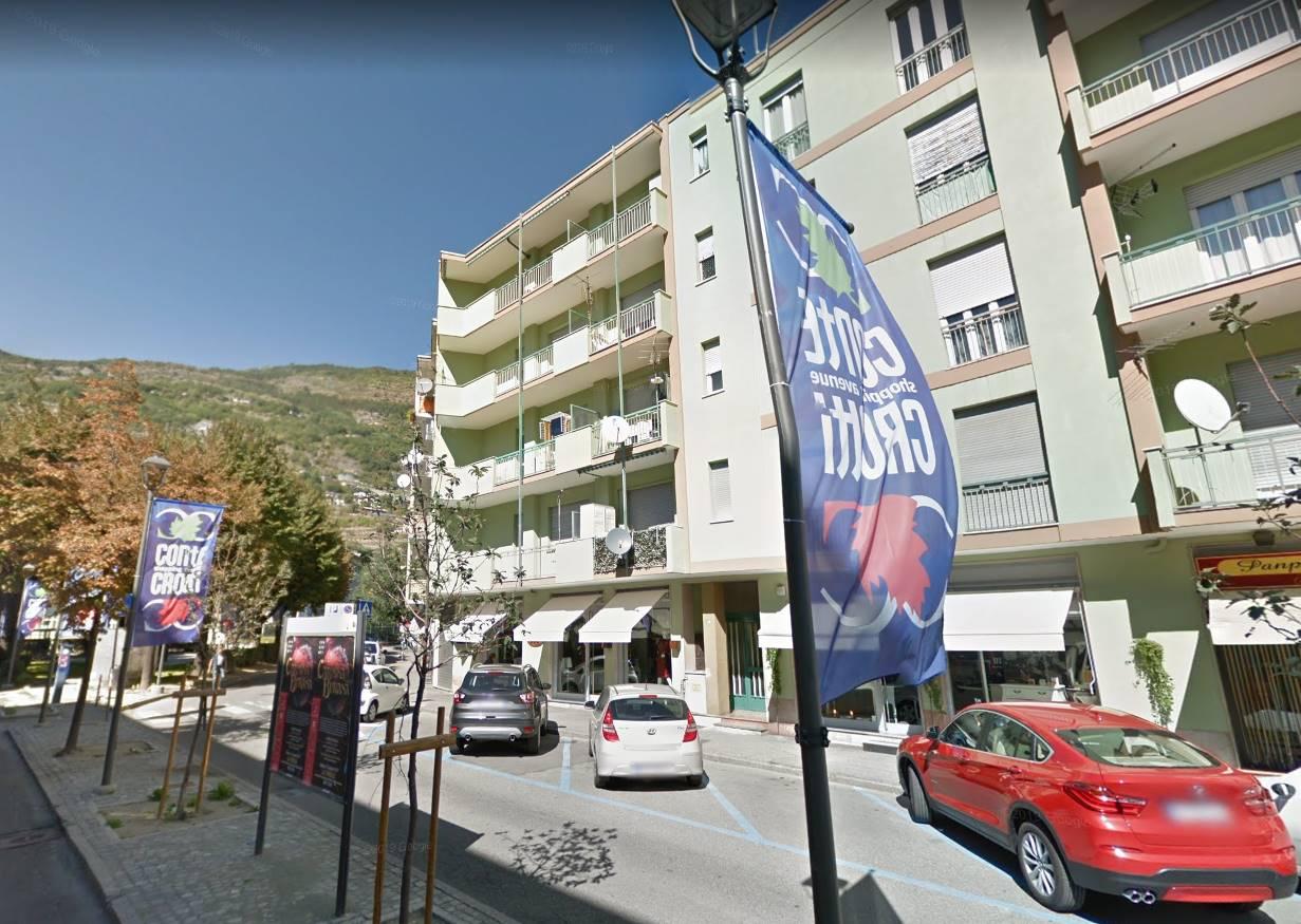 Appartamento in vendita a Aosta, 4 locali, zona Zona: Periferia, prezzo € 195.000 | CambioCasa.it