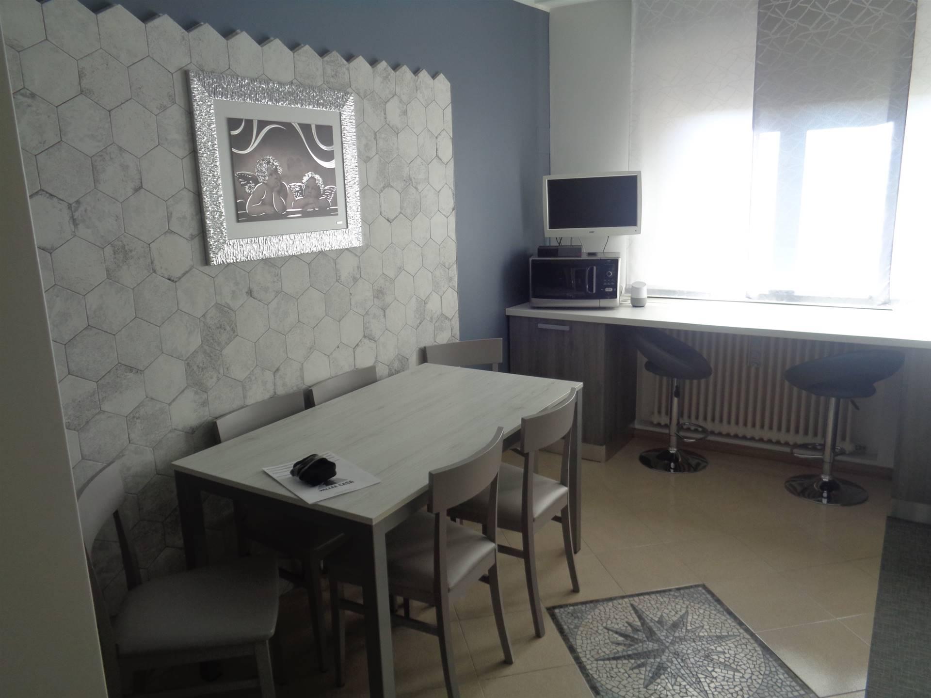 Appartamento in vendita a Aosta, 5 locali, zona Zona: Semicentro, prezzo € 190.000 | CambioCasa.it