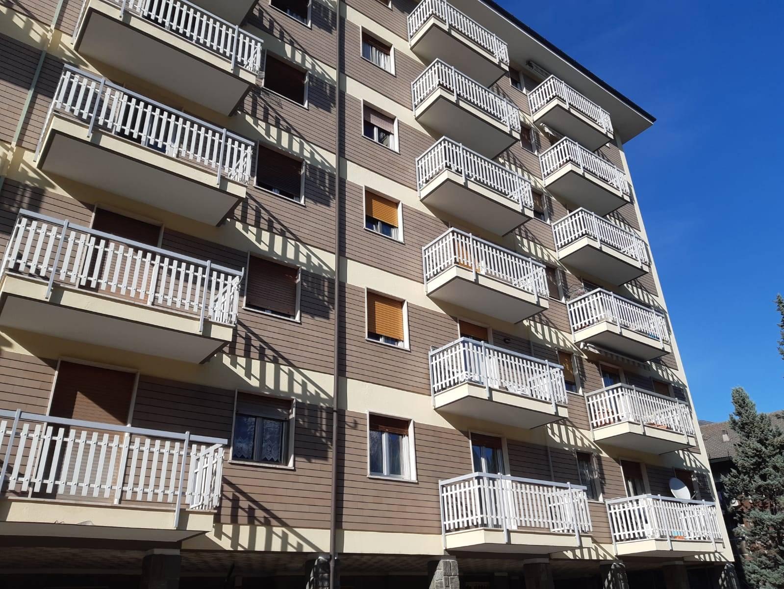 Appartamento in vendita a Aosta, 3 locali, zona Zona: Periferia, prezzo € 145.000 | CambioCasa.it