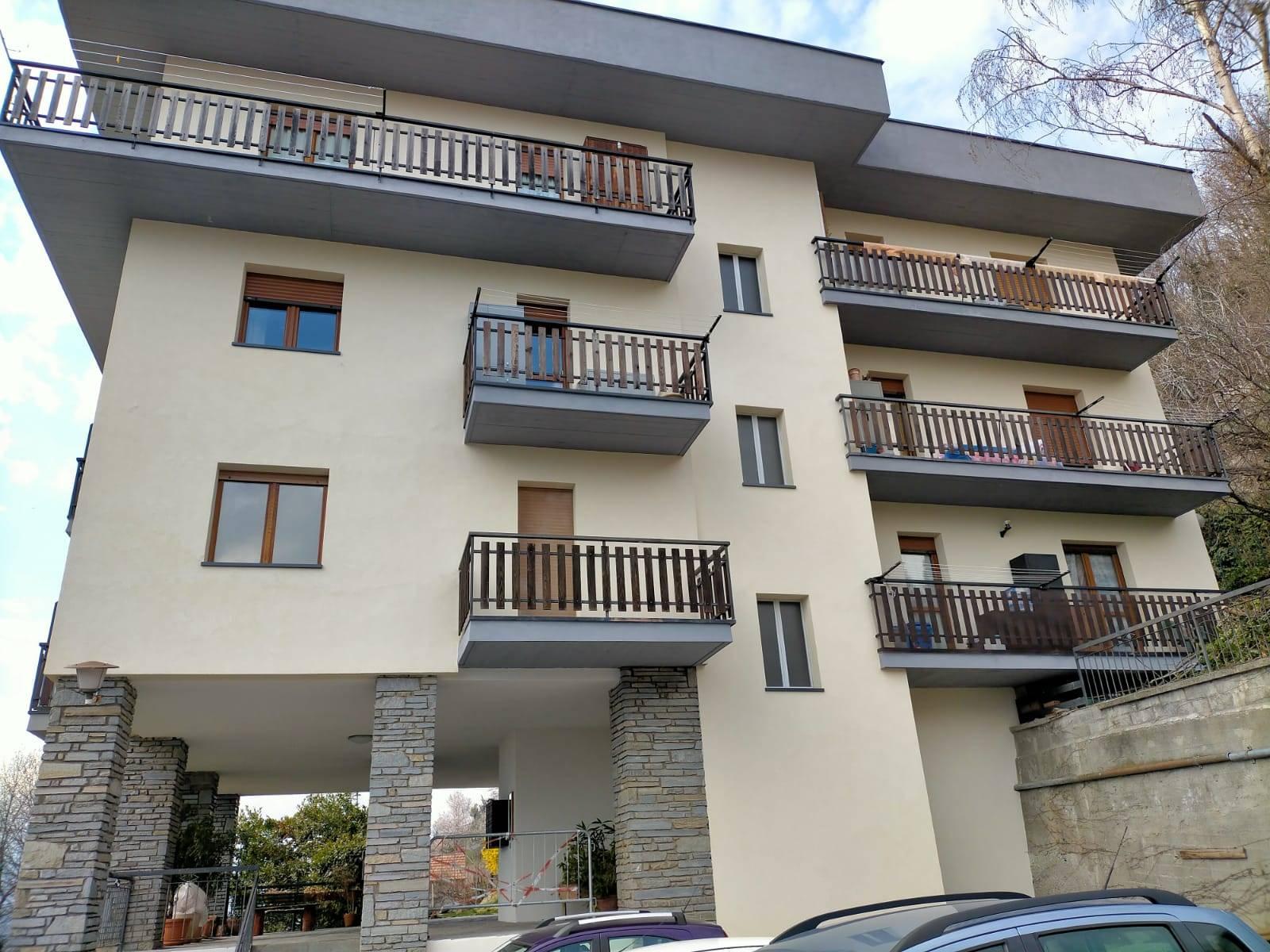Appartamento in vendita a Aosta, 4 locali, zona Zona: Zona collinare, prezzo € 160.000   CambioCasa.it