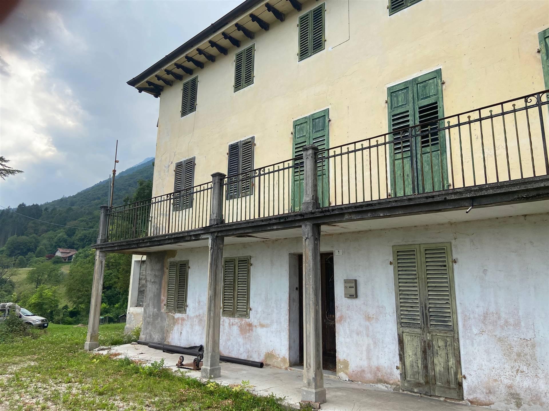 Rustico / Casale in vendita a Sospirolo, 14 locali, zona Località: VOLPEZ, prezzo € 180.000 | CambioCasa.it