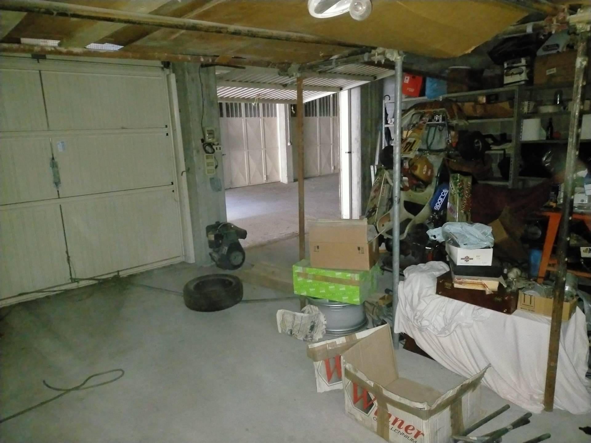 Box / Garage in vendita a Charvensod, 1 locali, zona Località: PLAN DE FÉLINAZ, prezzo € 46.000 | CambioCasa.it
