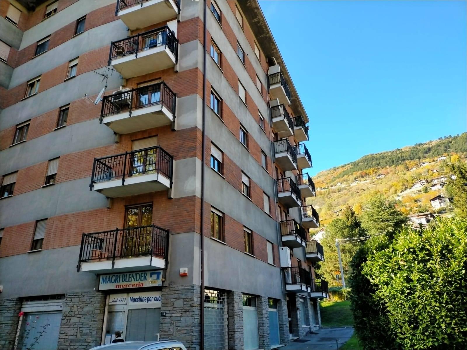 Appartamento in vendita a Aosta, 4 locali, zona Zona: Semicentro, prezzo € 198.000   CambioCasa.it