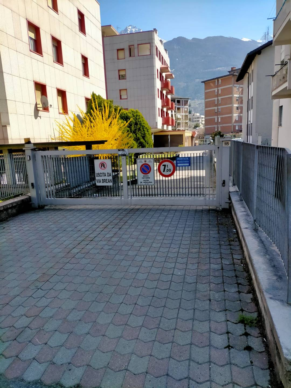 Box / Garage in vendita a Aosta, 1 locali, zona Zona: Periferia, prezzo € 19.000 | CambioCasa.it
