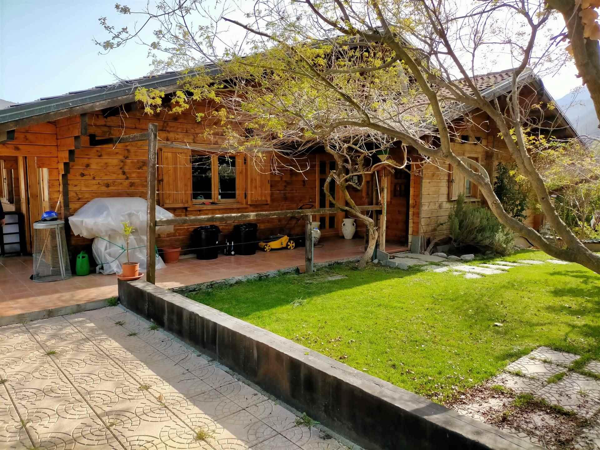 Villa in vendita a Brissogne, 10 locali, zona Località: NEYRAN, prezzo € 450.000 | PortaleAgenzieImmobiliari.it