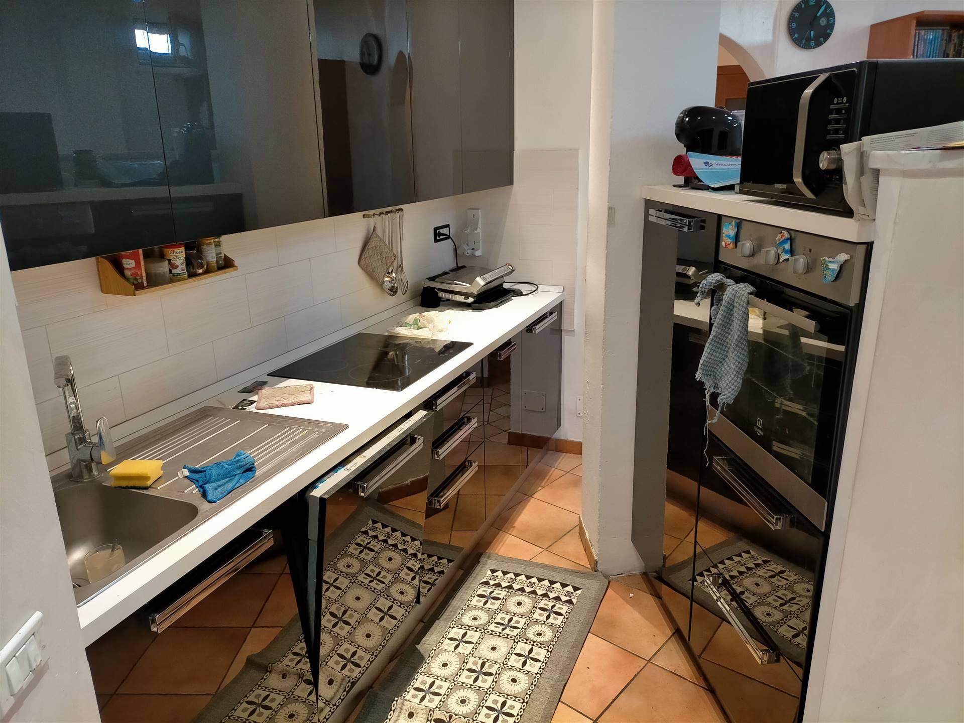 Appartamento in vendita a Aosta, 3 locali, zona Zona: Semicentro, prezzo € 140.000 | CambioCasa.it