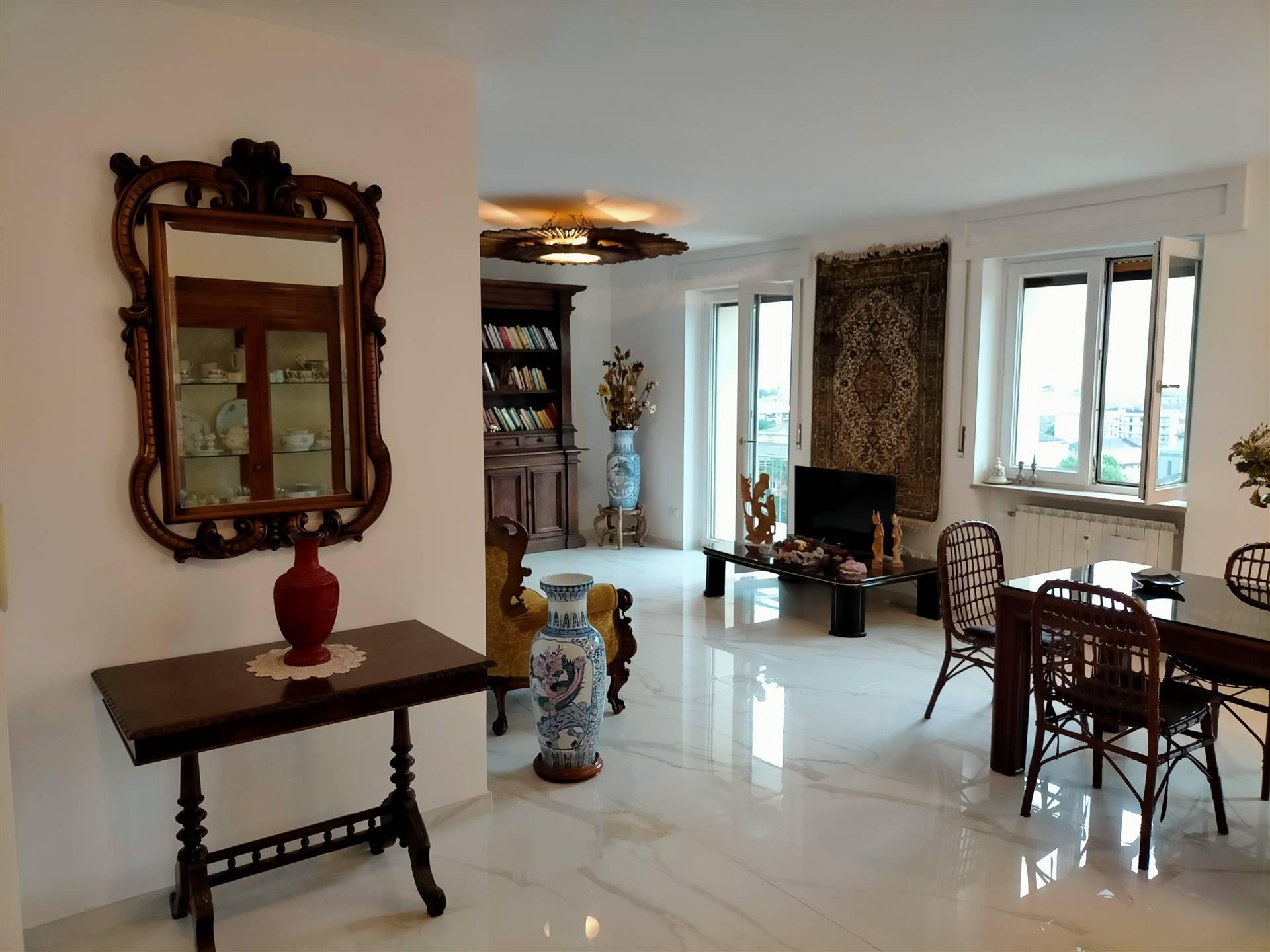 Appartamento in vendita a Aosta, 5 locali, zona Zona: Centro, prezzo € 415.000 | CambioCasa.it